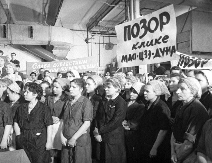 Мао против Хрущева и народные реакции./Фото: static.life.ru